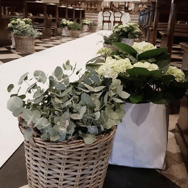 Allestimento matrimonio con eucalipto e peonie